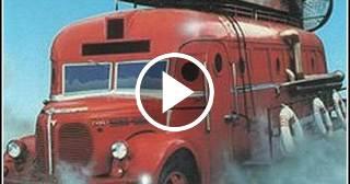 Nostalgia cubana: El profesor Poopsnagle y el autobús volador (Bum-bum, chaca-chaca, bum-bum)