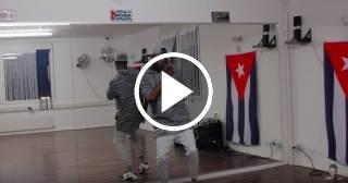 ¡Riquísimo! Aprende a bailar Trap en 90 segundos con este cubano