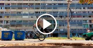La estrella de BMX Chad Degroot visita Cuba y deja un clip emocionante