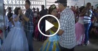 Celebran los 15 a adolescentes cubanas con discapacidad en Pinar del Río