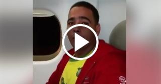 Migrante cubano deportado en México habla desde el avión rumbo a Cuba