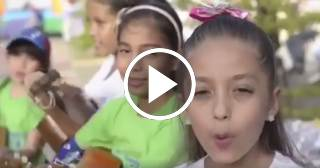 "Niños venezolanos emocionan a Luis Fonsi cantando ""Despacito"""