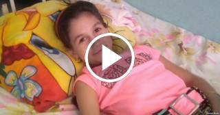 Xaleth Cabrera, la niña cubana que perdió una pierna pero no su sonrisa