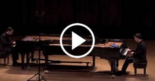 Dos hermanos cubanos al piano y la mejor música cubana
