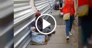 """""""Aquí hacen falta rastras para recoger las miles y miles de personas que viven en las calles"""""""