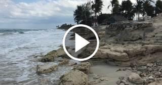 El mal tiempo deja irreconocibles playas de Santa María (La Habana)