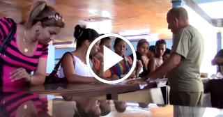 Las mujeres cubanas no tienen dinero para renovar su armario
