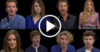 """Un grupo de actores entonan una versión del """"I will survive"""" contra Donald Trump"""