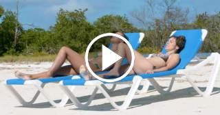 Dos chicas españolas en un viaje de lujo a Cuba