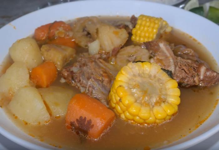 Sopa De Pollo Con Vegetales