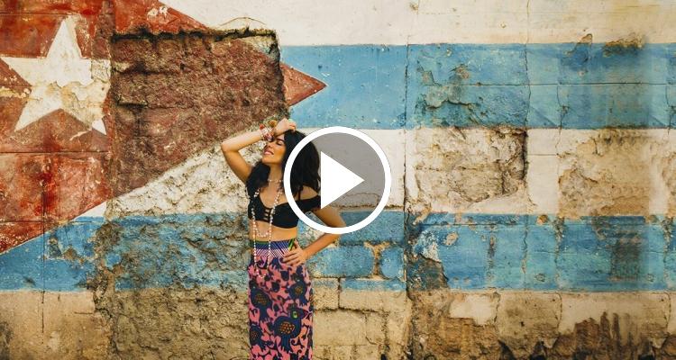 """""""Más que suerte"""", el videoclip de Beatriz Luengo y Jesús Navarro (Reik) en Cuba"""