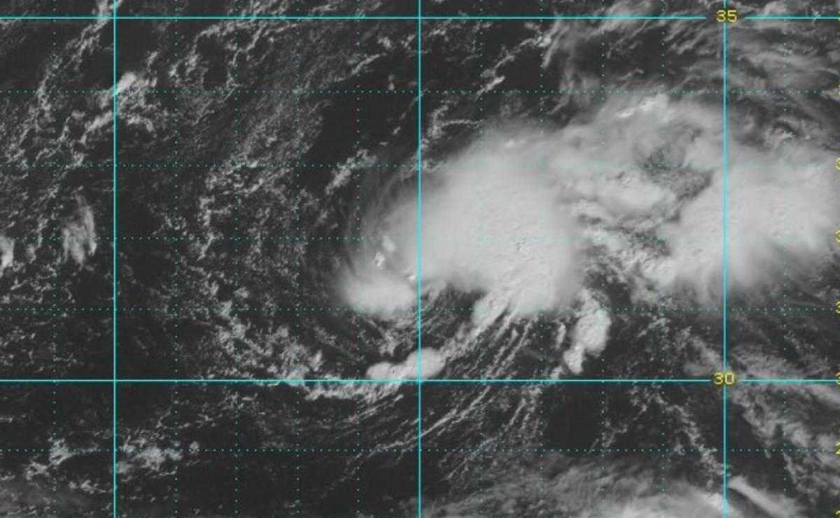 Se forma la décimo séptima depresión tropical en el centro del Atlántico