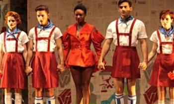 Obra teatral Antigonón Contingente Épico triunfa en Buenos Aires