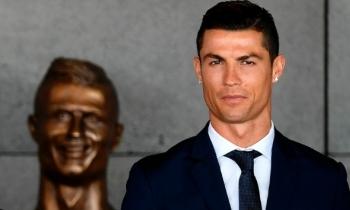 El nuevo busto de Cristiano Ronaldo en aeropuerto de Madeira se hace viral
