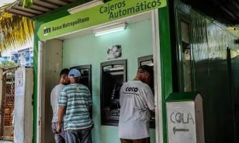 """Banco de Cuba hace modificaciones para el uso """"más seguro"""" de tarjetas magnéticas"""