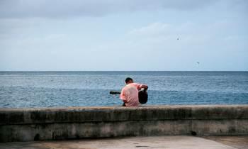 Malecón: El Sofá de La Habana