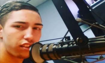 """""""Peter la Anguila"""" trabaja como locutor de radio en Miami"""