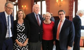 Una delegación de senadores de EE.UU. visita Cuba