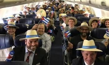 Histórico vuelo inaugural de Southwest Airlines a Varadero con el hijo de Tito Puente