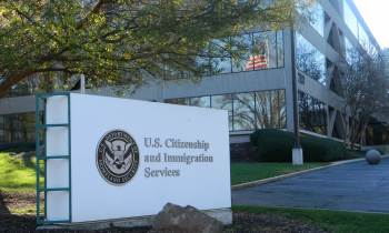 Estados Unidos suspende expedición inmediata de la visa H1B para inmigrantes calificados