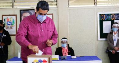 José Guerra, un mototaxista de 52 años, dijo en la barriada de Catia, al oeste de Caracas, que se abstendría de votar po