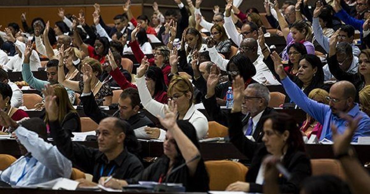 La Constitución cubana tendrá 52 nuevas leyes