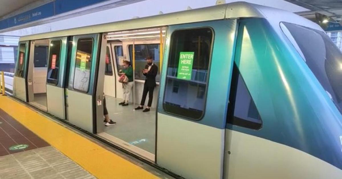 Denuncian ataque a una hispana en el Metromover de Miami