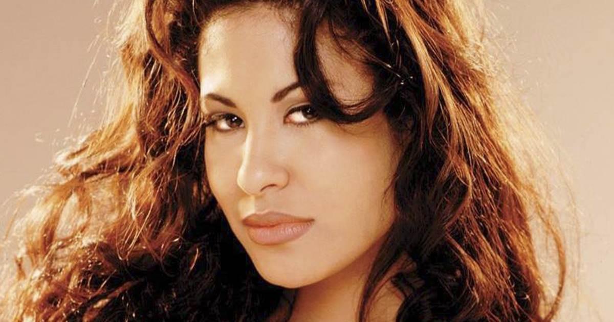 Se Hace Viral Una Foto Inédita Del Funeral De Selena Quintanilla